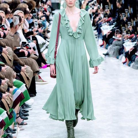 Sweet Plain Flounce Deep  V Collar Pagoda Sleeve Evening Dress