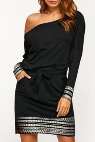 One Shoulder  Belt Contrast Stitching  Asymmetric Stripe Bodycon Dresses