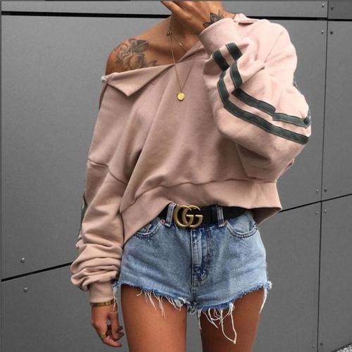 Loose Bat Sleeve Hooded Short Sweater