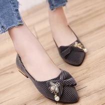 Bowknot Pointed Toe Slip On Flat Canvas Shoes