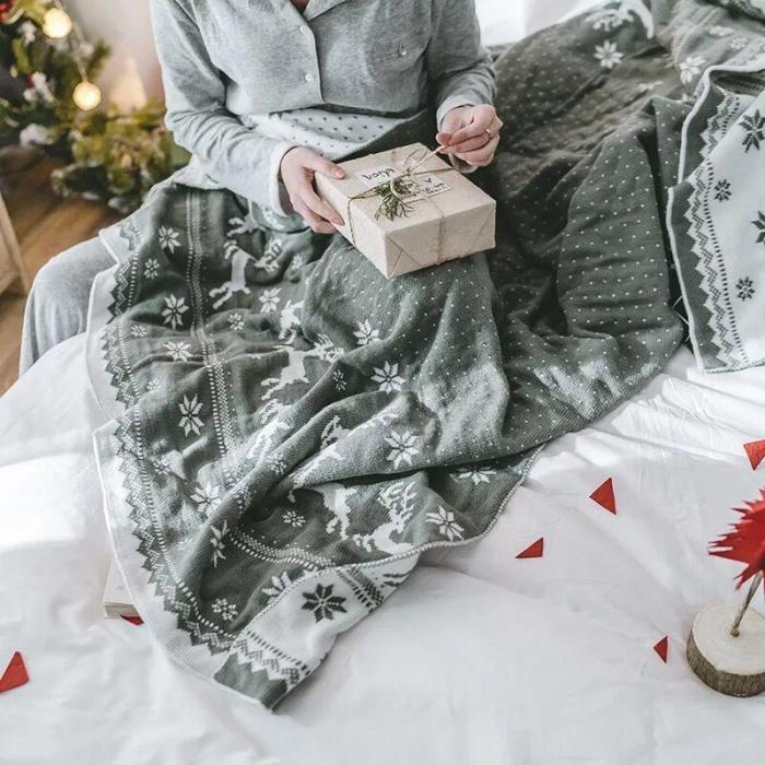 Christmas Snowflake Throw Blanket
