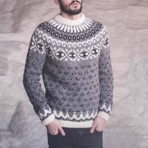 Casual grey round neck Icelandic polka dot sweater TT004