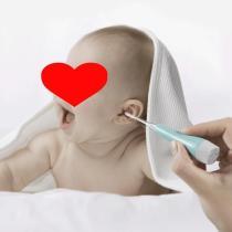 Baby Glowing Ear Spoon