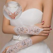 1 Pair 2 Styles White/Red/Beige Bridal Gloves Elegant Short Paragraph Rhinestone White Lace Glove Beautiful Wedding Accessories