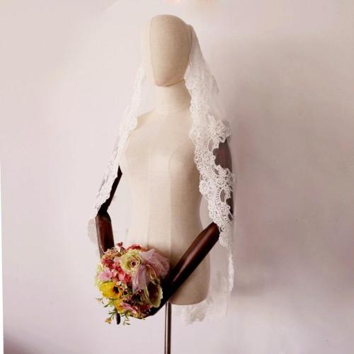 Bridal Veil Voile De Mariee 2020 Short One Layer Lace Appliqued With Comb for Women Bridal Party Veil