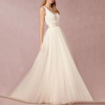 Exquisite Deep V-Neck Plain Evening Dress