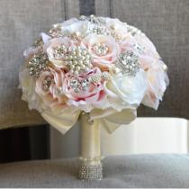 2020 Women Bridal Bouquets Wedding Bouquet Teardrop Butterfly Brooches Bouquet Alternative Cascading Bouquet Crystal Beaded