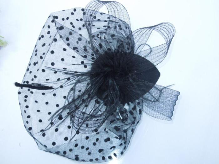 2020 Elegant Women Bridal Hats and Fascinators White Black Net Wedding Veil Hair With Comb Bridal Party Gifts