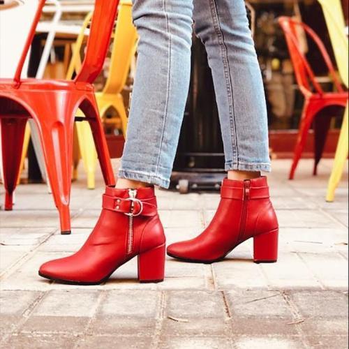 Women Belt Buckle Thick Heel Boots