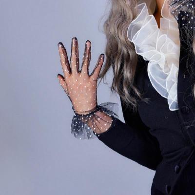 Black Lace Short Gloves Ruffle Trim Tulle Mesh Semi Sheer Tech White Contrast Polka Dot braut handschuhe Sexy Evening Gloves