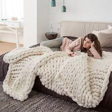 Fashion Hand Chunky Knitted Blanket Thick Yarn Wool-like Polyester Bulky Knitted Blankets Winter Soft Warm Throw
