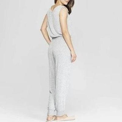 EBUYTIDE Casual Grey V-Neck Sleeveless Slim Fit Jumpsuit