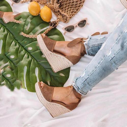 Fashion Wild Hollow Wedge Sandals