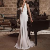 Sexy Bare Back Deep V Sleeveless Evening Dresses