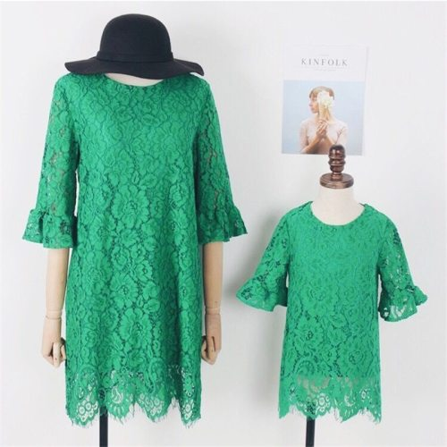 2021 Spring Family Matching Clothes Mother Daughter Dresses Half Sleeve Green Hollow Out Lace Dress Party Dress