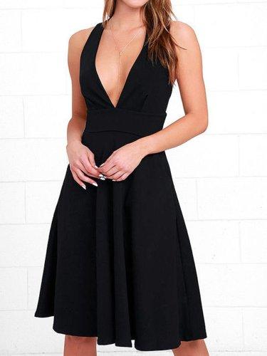 EBUYTIDE A-Line Deep V Neck Pockets Sleeveless Casual Swing Cocktail Dress with Pockets