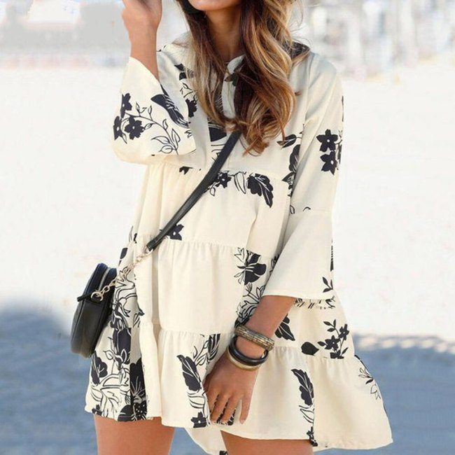 2021 Summer Bohemian New Hot Sale Explosion Printing Vacation Fashion Sandy Beach V-neck Flared Sleeves Women's Dress