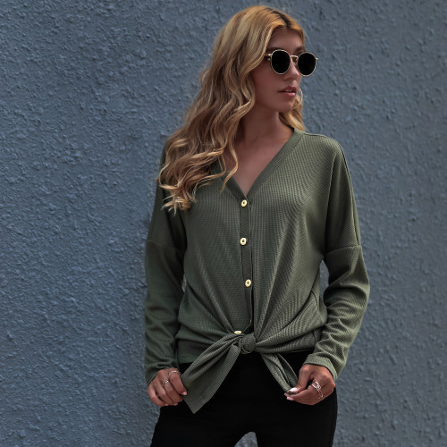 The new spring and autumn ladies' solid color plus size sexy V-neck knitted shirt