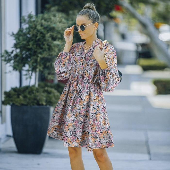 2021 Autumn Boho Dress Women Floral Print Pleated Long Sleeve Mini Chiffon Dress Ladies V Neck Loose Beach Sundress