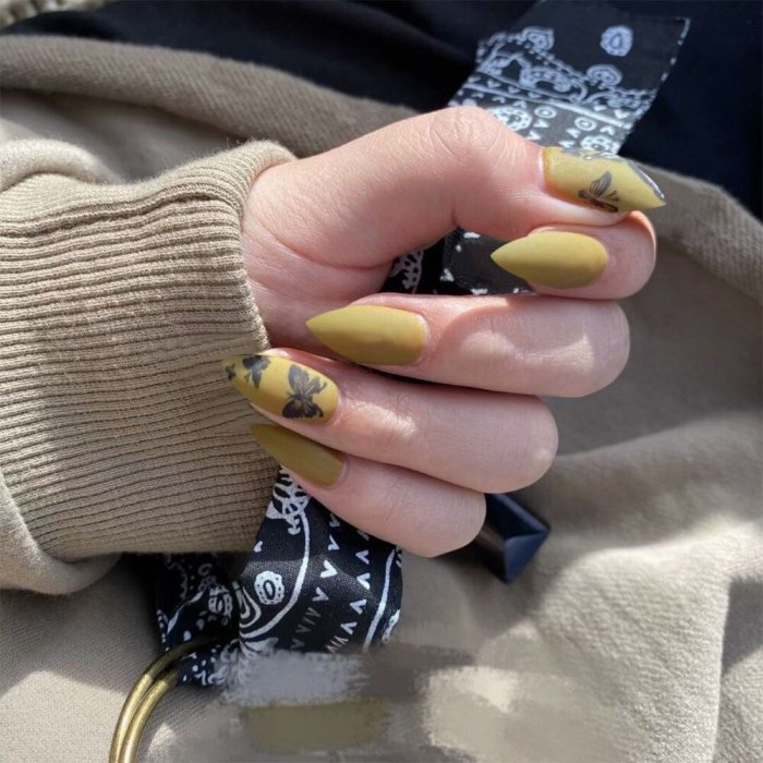 24Pcs/Set Long Stiletto Fake Nails Punk Snake Pattern Green White Matte False Nails Artificial Full Nail Tips Manicure Tools