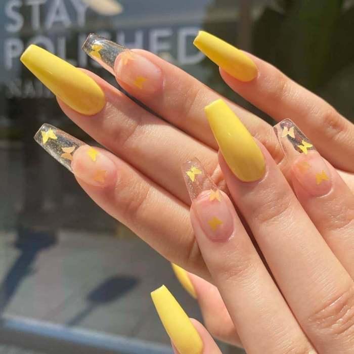 24pcs Pink Butterfly Pattern Fake Nails Full cover Fake Nails Glue DIY Manicure Nail Art Tools