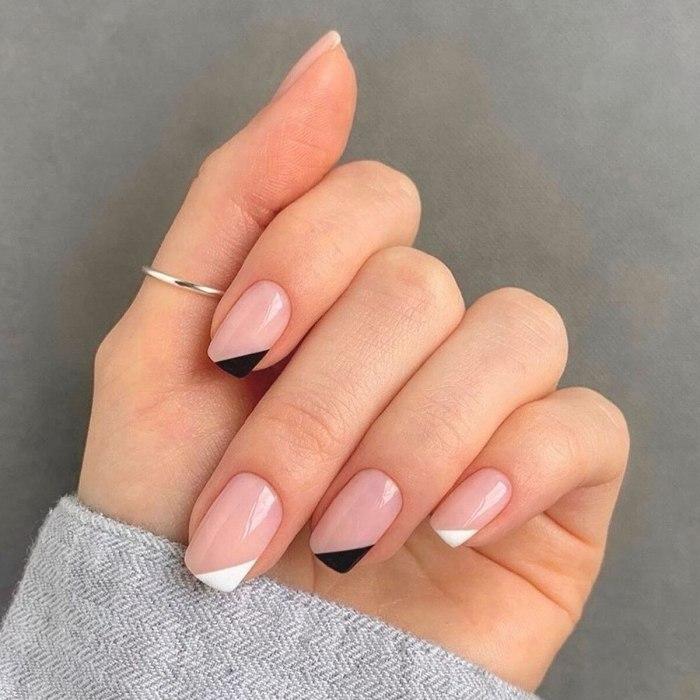 24pcs/Set short ballet Blue sky white clouds Pattern Square Fake Nails Full cover Fake Nails Glue DIY Manicure Nail Art Tools