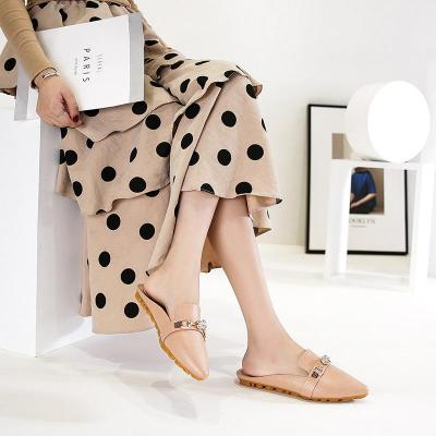 New Women's Slippers Summer Exquisite Buckle Muller Shoes Pointed Flat Bottom Sandals