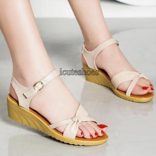 Sandals Women's 2020 Summer Women's Shoes Flat Large Soft Sole Casual Open Toe Buckle Shoes