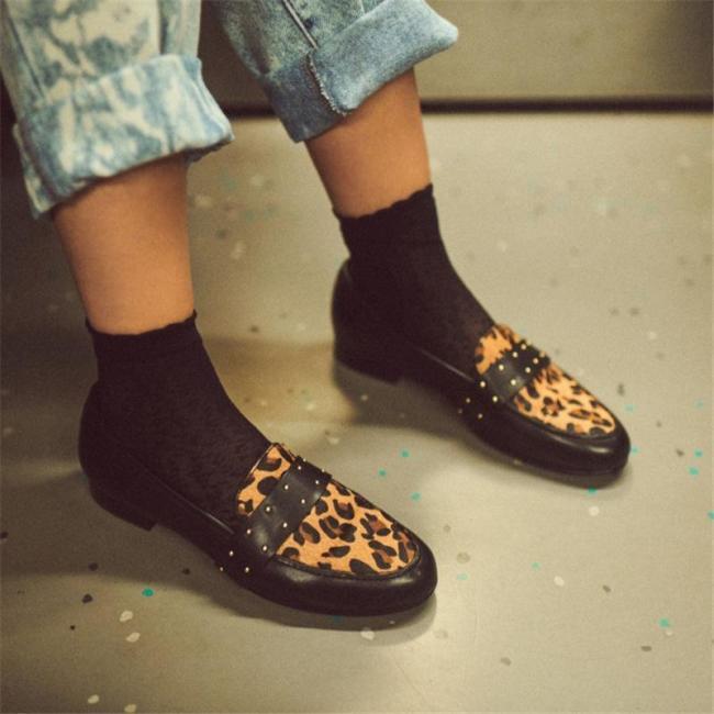 Spring rivet leopard print pumps women