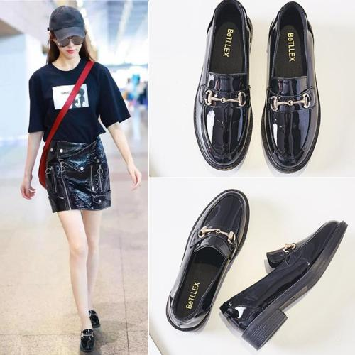 Leather casual black flat comfort shoes