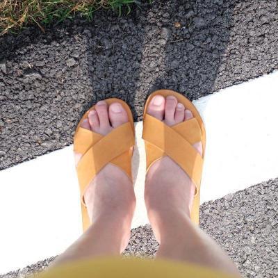 Womens Cross Slippers