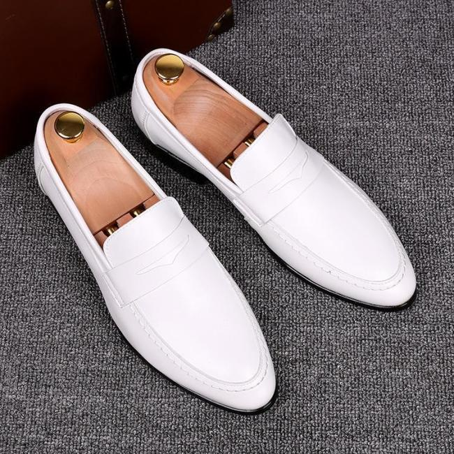 Solid Color Pointed Toe Slip on Shoes