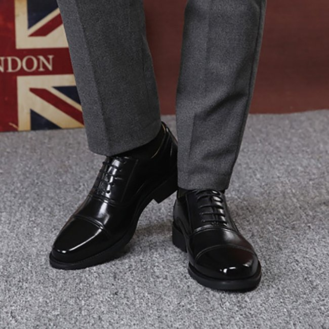 Business Leather Shoes With Three Fittings