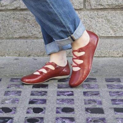 Crisscross Round Toe Solid Color Flat Shoes