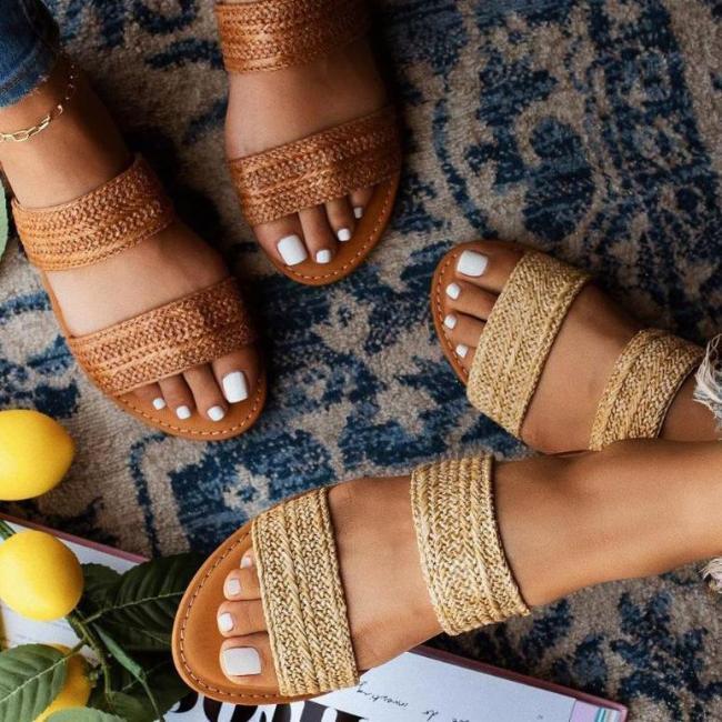 Popular Women Flat Bottom Ladies Hand-knit slippers
