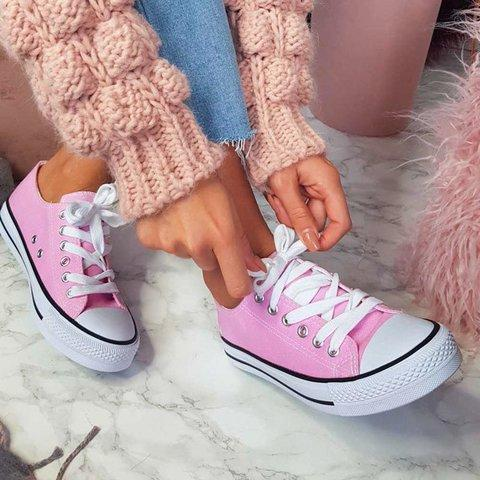 Large Size Women Simple Casual Canvas Lace-Up Sneakers