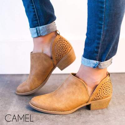 Women Back Detailed Bootie Shoes