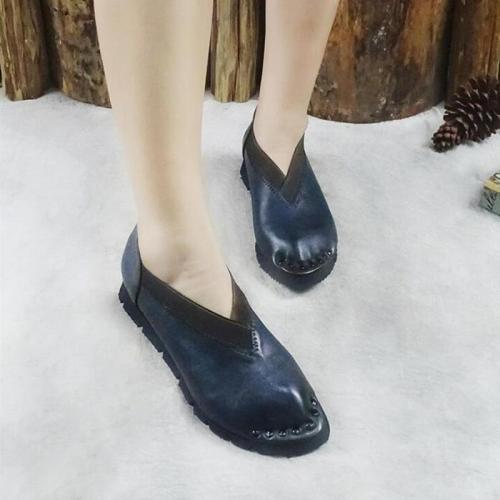 Leather Vintage Pointed Rivet Flats