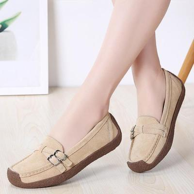 Women's casual and comfortable suede loafers driving shoes flat shoes