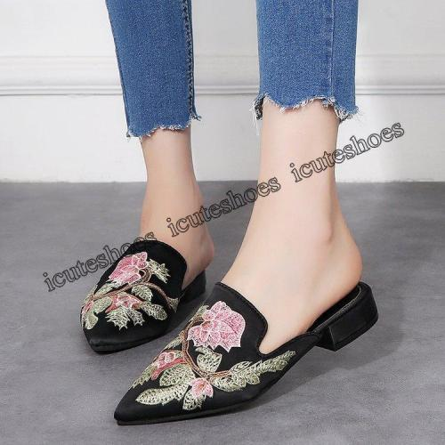 Fashionable new style comfortable pointed flat heel Embroidery Flower women's shoes