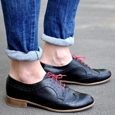 Black With Red-Lace Lace-Up Oxford Shoes