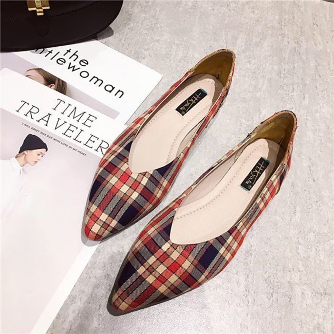 Shallow Plaid Pointed Flat Sole Shoes