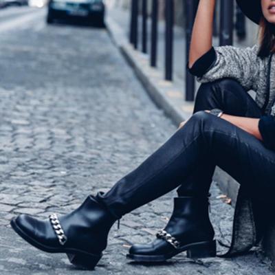 Women's fashion black chain decorative Martin boots