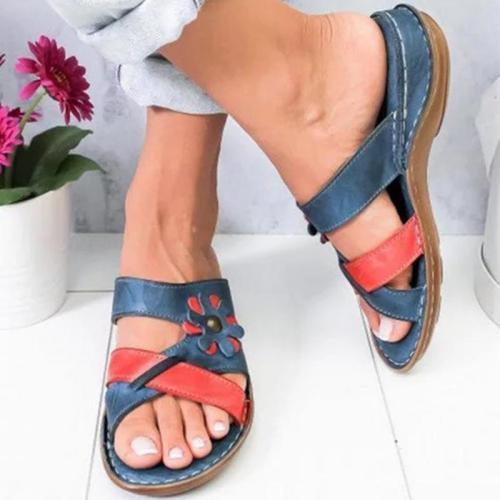 Flower Garnish Color Block Sandals