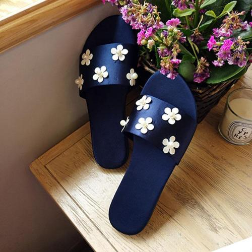 Fashion White Daisies Pearls Flat Sandals