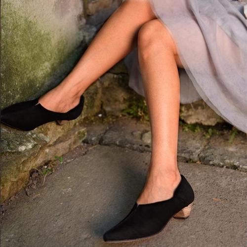 Chic Point Toe Pu Medium Heels Shoes