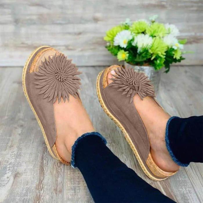 Women Casual Flower Trim Slip On Sandals