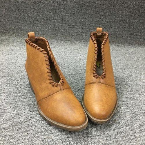 Women's Brown  Braided Edge Chunky Heel Boots