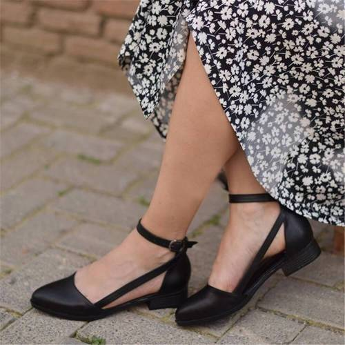 Women's Fashion Wild Hollow Buckle Flat Shoes