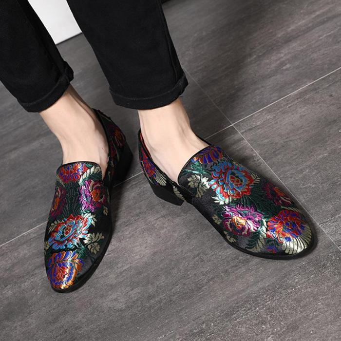 Pattern Embroidered Classic Male Flat Shoes